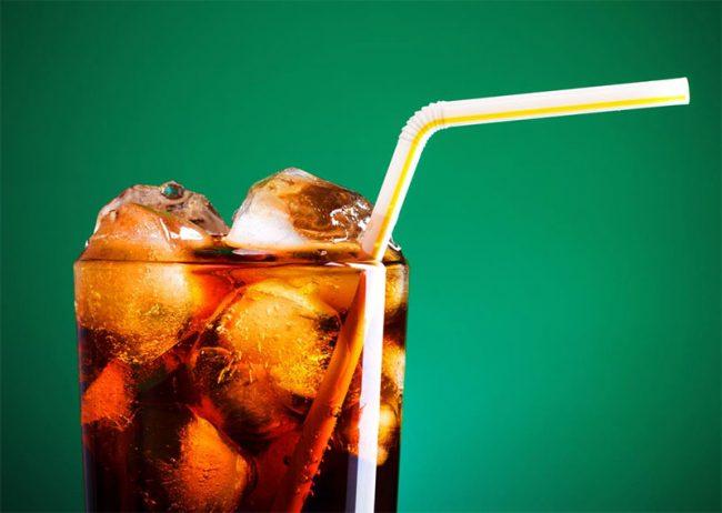 Ovatko dieettijuomat terveellisempiä kuin tavalliset limsat?